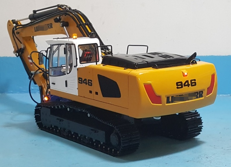 1/14 RC Metal Hydraulic Excavator 946 - 12