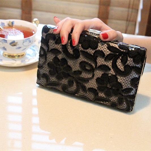 2017 Soiree Party Black Crochet Sequins Women Evening Clutch handbags Fashionable day clutch Wallets Elegant Chain