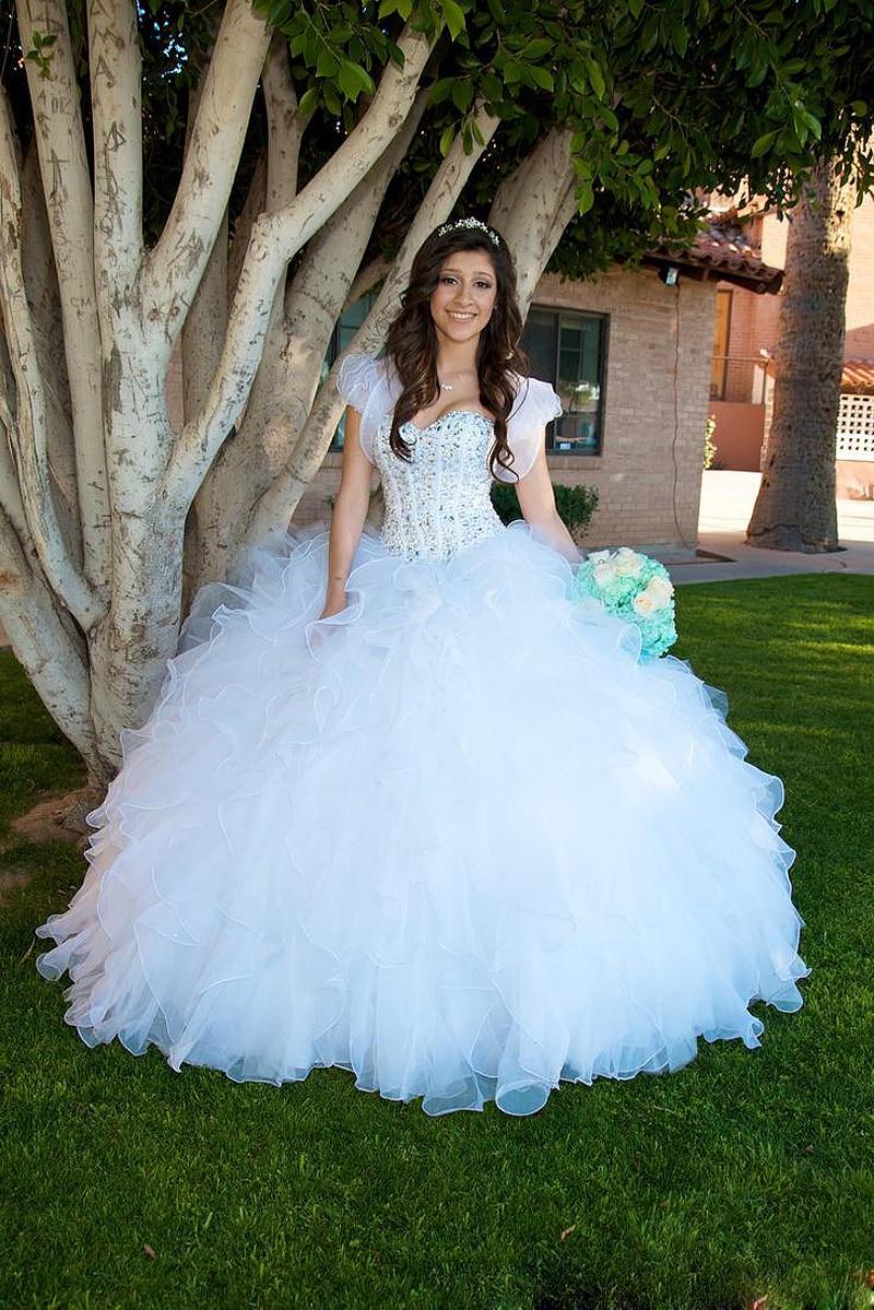 Sweet-16-Masquerade-Dress-2015-Free-Shipping-Vestidos-Curtos-de-15-Anos-White-Quinceanera-Dresses (1).jpg