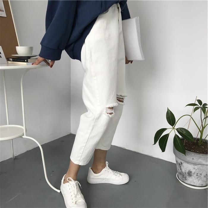 18 Summer Style Black White Hole Ripped Jeans Women Straight Denim High Waist Pants Capris Female Casual Loose Jeans 4