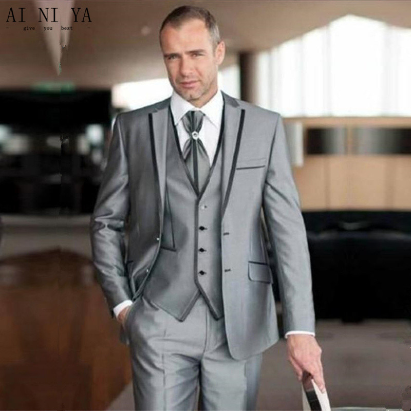 Light Grey Shiny Men Wedding Suit TWO Button Groomsmen Tuxedos Office Business Groom 3 Pieces Suits Prom Party Best Man Suits