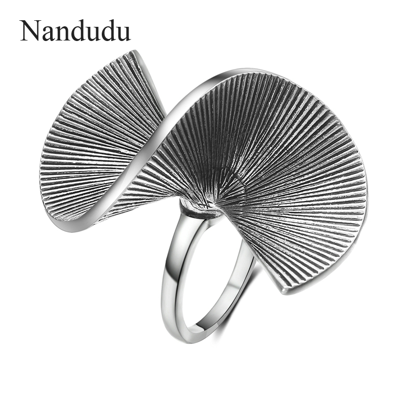 Nandudu New Punk Style Irregular Rings for Women Metallic Party Jewelry Vintage Silver Color Twisted Ring Accessories R2016 vintage faux pearl twisted cuff ring for women