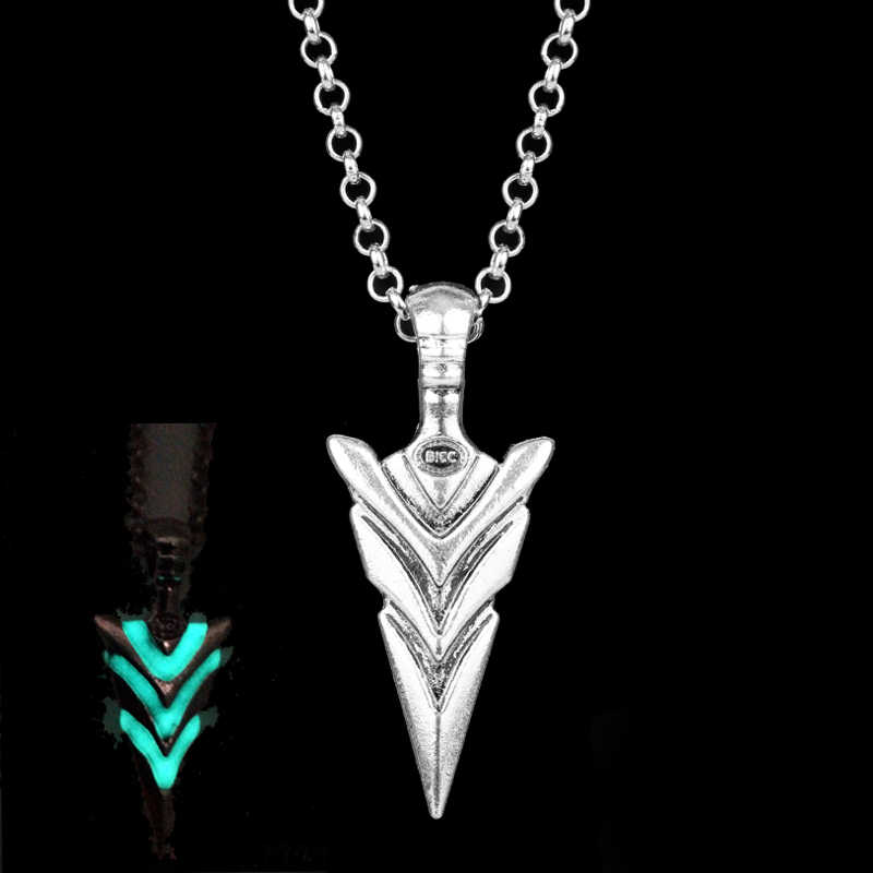 Glow In The Dark Jewelry Green Arrow Knight Spear Luminous Pendant Statement Necklace Collier Metal Women Men Gift Accessories