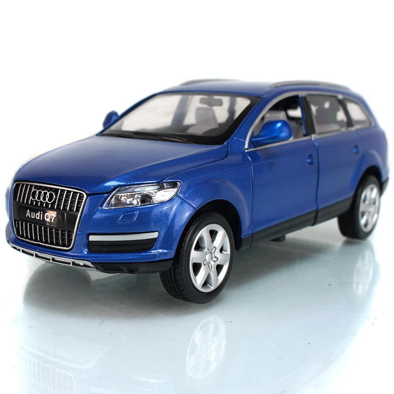 Brand New UNI 1:24 Scale Car Model Toys AUDI Q7 SUV Diecast Metal Pull Back Car Toy For Gift/Collection/Kids