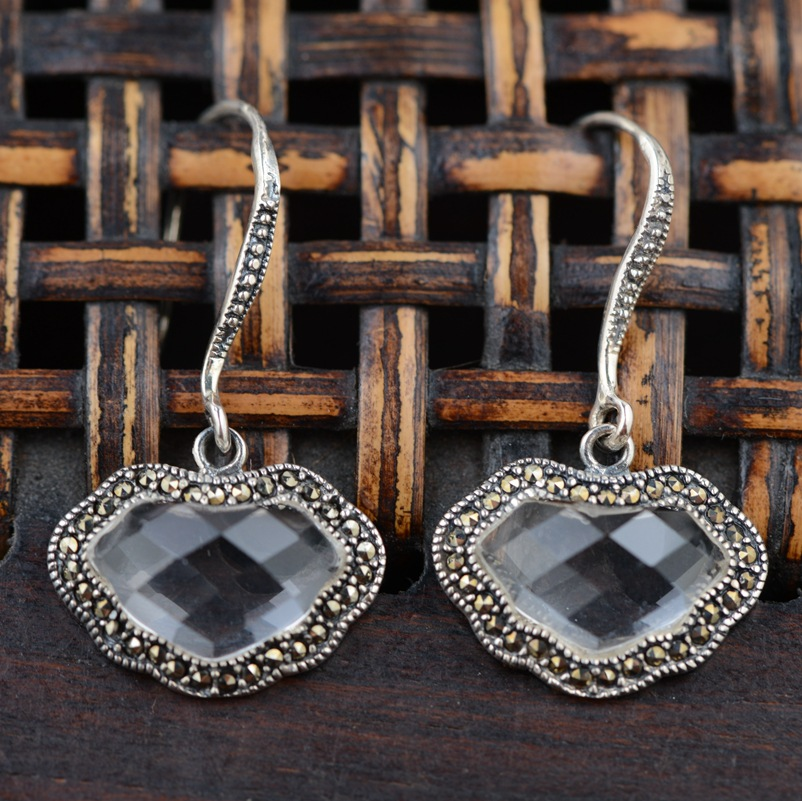 S925 silver inlaid white crystal silver earrings wholesale antique craft female lock Ruyi auspicious clouds thai silver earrings s925 zircon silver inlaid white female antique style earrings atmospheric water
