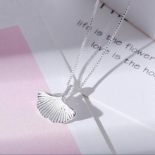 Ruifan Charm Fashion Ginkgo Leaf Pendant Necklaces Collares for Women Bijoux Clavicle Necklace Wedding Choker YNC057
