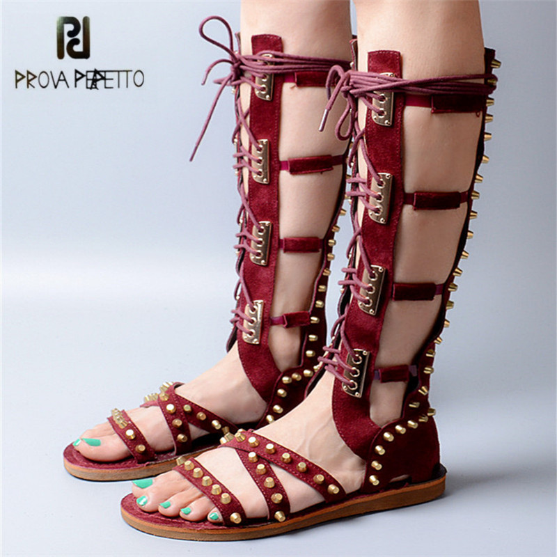 Prova Perfetto Fashion Wine Red Suede Women Gladiator Sandals Lace Up Summer Boots Rivets Studded Flat Sandal Knee High Boots brand designer faux leather strappy roman goth gladiator thong lace up bandage sandals knee high boots flat shoes free shipping
