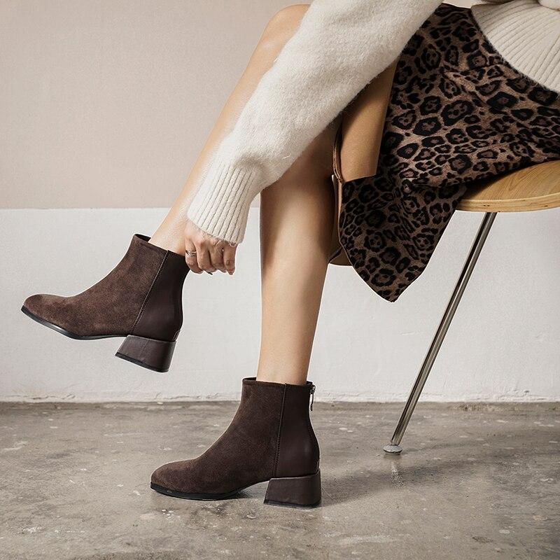 Продажа искусственной замшевые ботильоны Для женщин массивном каблуке плюшевая обувь квадратный носок женские модные туфли чёрный; коричн...