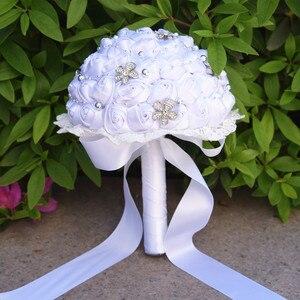 Image 4 - Винтажная свадебная брошь Kyunovia, 14 цветов, атласные розы, кружевные букеты с серебристыми бусинами, FE63