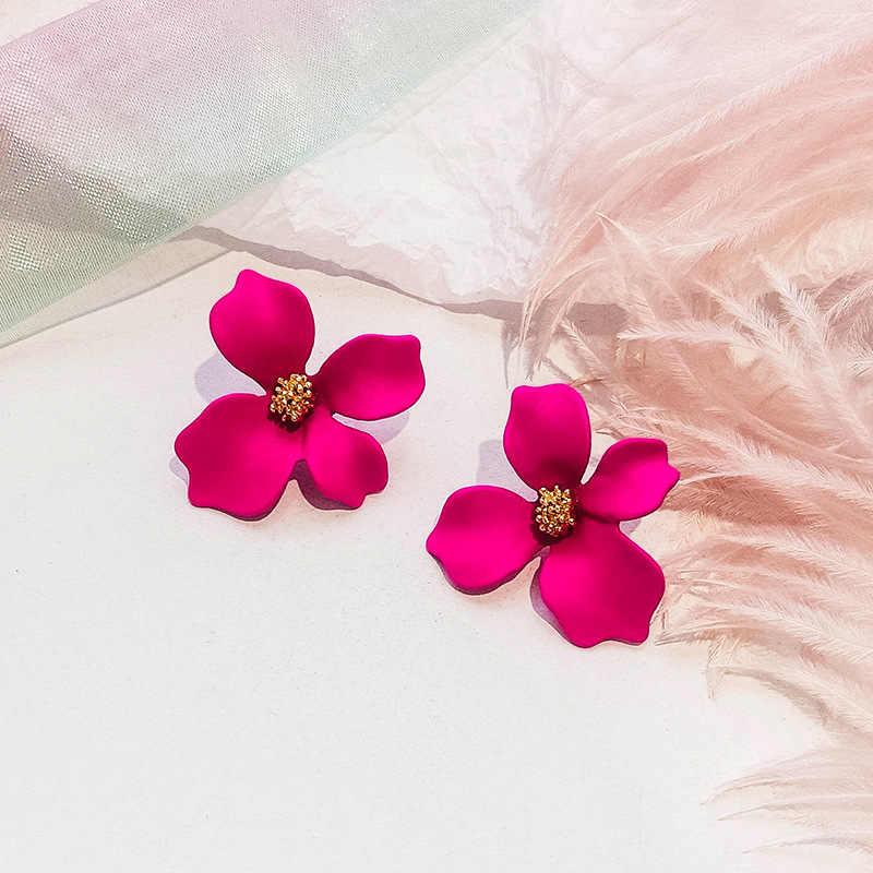2018 ใหม่มาถึงพืชเรซิ่นผู้หญิง Hyperbole ต่างหูขนาดเล็กต่างหูดอกไม้สีแฟชั่นผู้หญิงเครื่องประดับ