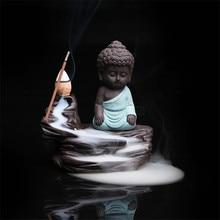 Pequeño monje de cerámica quemador de incienso de reflujo soporte de palo de incienso decoración del hogar incensario de Buda de aromaterapia + 20 piezas conos de incienso gratis
