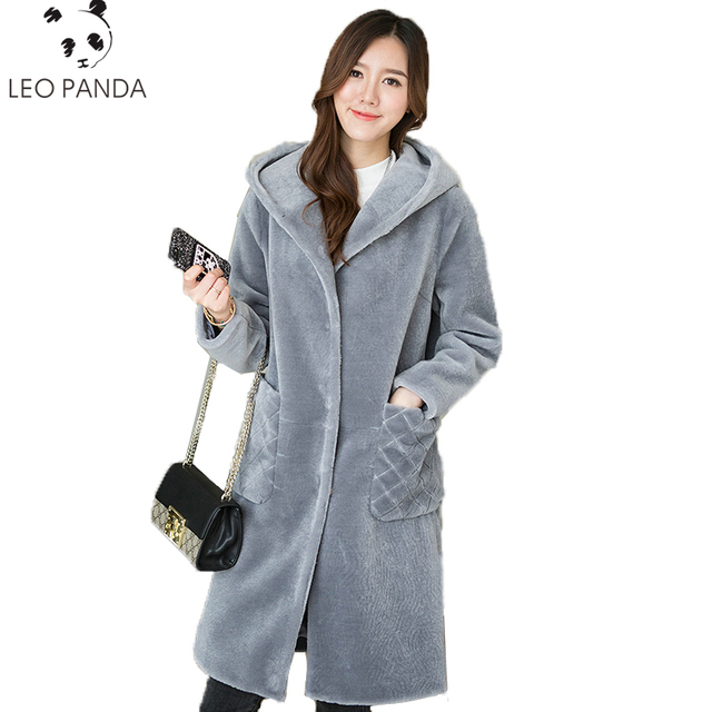 New Thick Warm Fur Gray Color Real Fur Wool Coat Winter Take A hat  High Quality Women Lamb Fur Coats Overcoat Hooded Outerwear