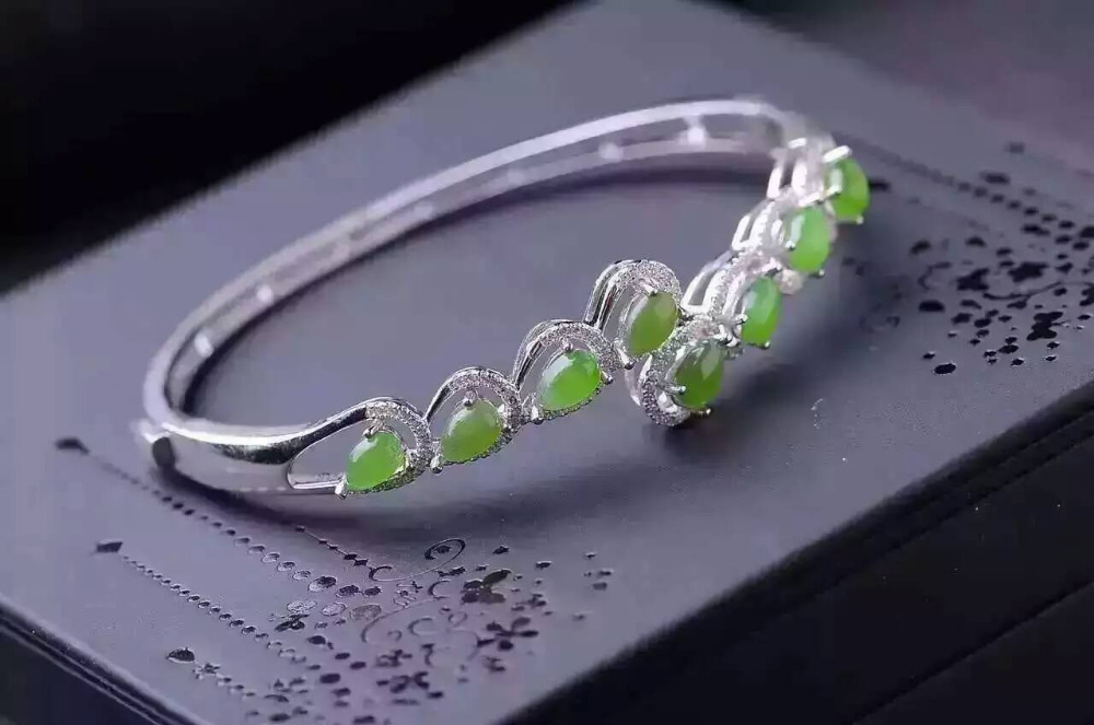 Luxurious across Water drop natural green diopside gem bangles natural gemstone Bracelet S925 silver woman party fine jeweleryLuxurious across Water drop natural green diopside gem bangles natural gemstone Bracelet S925 silver woman party fine jewelery