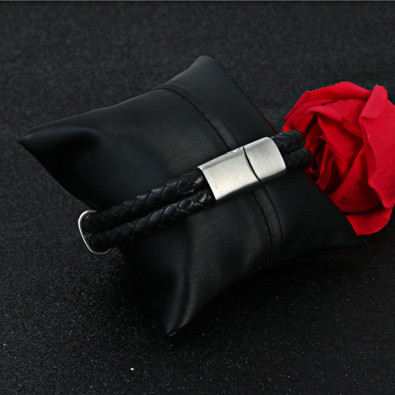 YUKAM Black Leather Weaved Punk Bracelets Bangles Stainless Steel Skull Skeleton Double Layer Magnet Braided Bracelets for Men