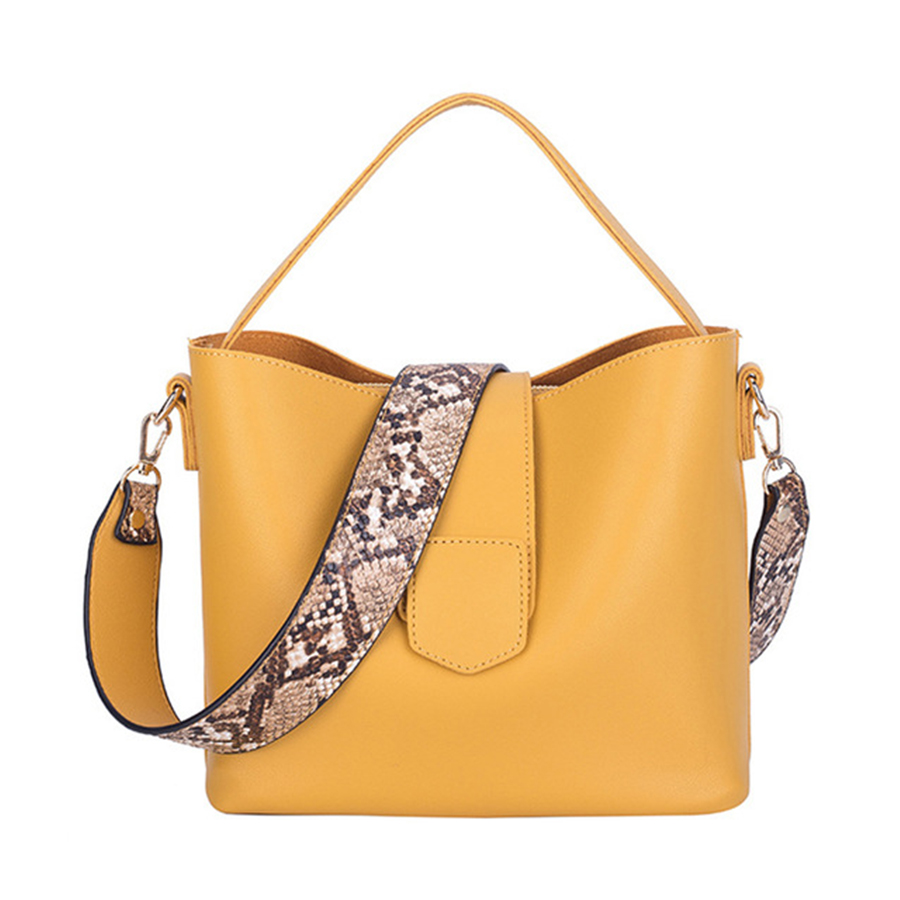 Designer Snake Pattern Wide Shoulder Strap Women Handbag Soft Leather Bucket Bag Casual  Shoulder Messenger Bag Composite Bag
