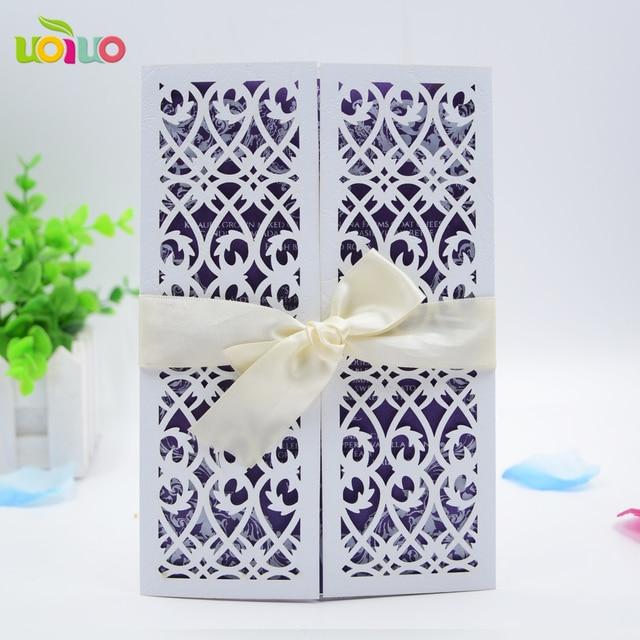 بطاقات دعوة لحفلات الزفاف باللون الأبيض الرائع بطاقات دعوة لحفلات الزفاف البنغالية مزودة بشعار مخصص حسب الاسم ، بطاقة زفاف للأفراح