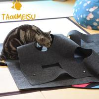 Top selling Pet Bed Snooze Tunnel Mat Folding Waterproof Toy Holed Blanket puppy cat dog playing toy Cat Playmat Mat