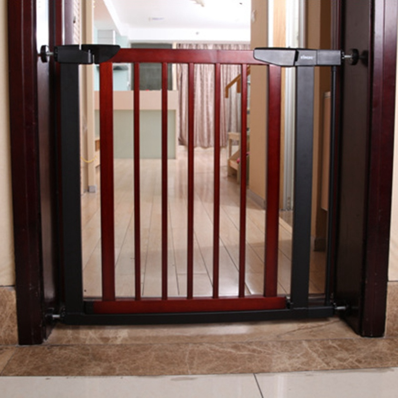 New Arrival Easy To Install Baby Safety Gate Wood Toddler