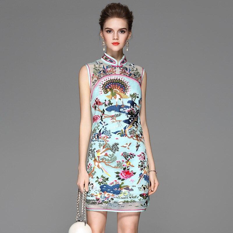 Китайский рисунок на платье
