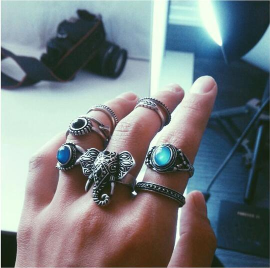 Punk Finger Rings Set For Women Exaggerated Geometric Crystal Patterns Knuckle Ring Men Middle Finger Retro Jewelry mini kompas sleutelhanger