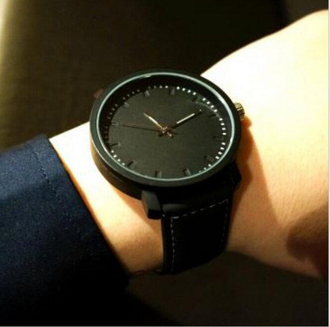 Buy unisex leather strap watches men for What watch to buy