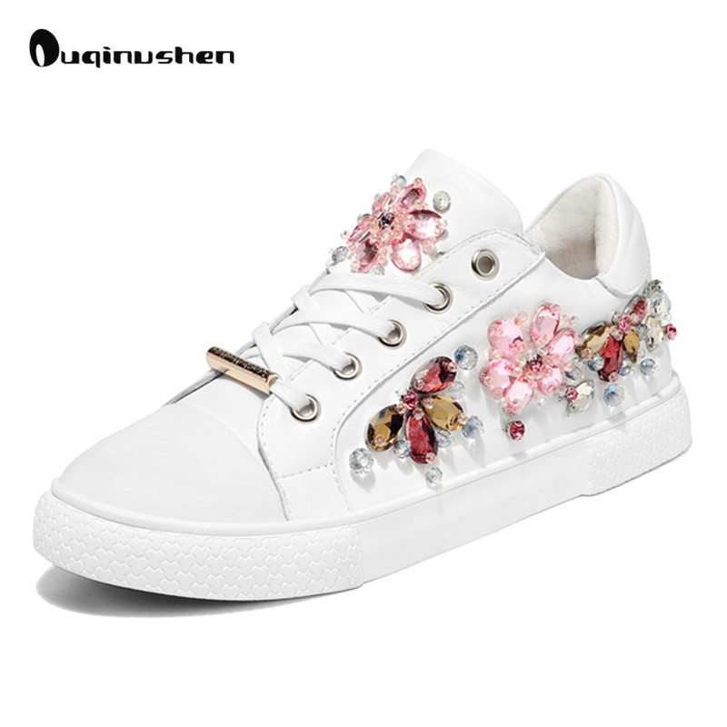 ФОТО OUQINVSHEN White Crystal Female Casual Shoes Cross Lacing Natural leather Platform Shoes Flower Round Toe Rubber Women Flats
