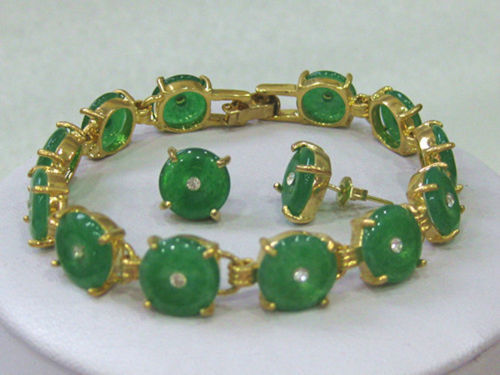 Free shipping New style Natural noble jewelry>>>>Natural Green stone bracelet earrings set AAA