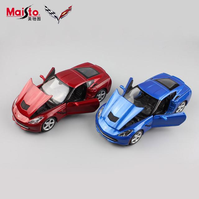 1:24 Niños Famosa marca original C7 Stingray Coupe diecast metal vehículo de colección modelos de coches de carreras juego niños juguetes para niños