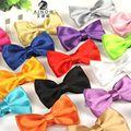 12 cm * 6 cm Corbata de seda sólida pajarita de oro rojo azul azul marino de plata púrpura café orange boda corbata corbatas de moño de moda para hombres
