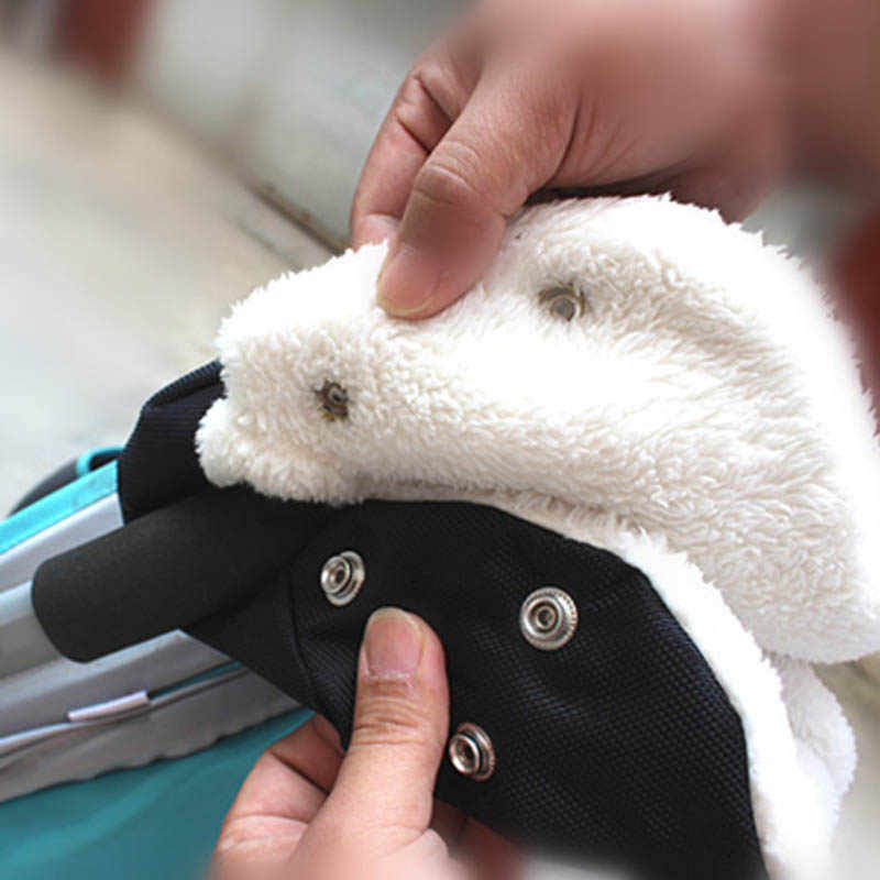 ฤดูหนาว Warm Pram ถุงมือฝาครอบรถเข็นเด็กอุปกรณ์เสริม Carriage อุปกรณ์เสริมกันน้ำ Anti - freeze Pram ปกคลุมอุปกรณ์เสริม