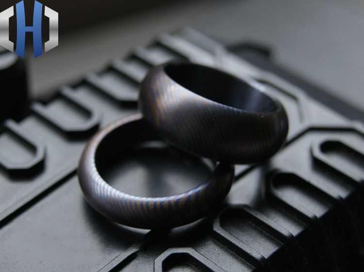 18.5mm Handgemaakte Maatwerk Paar High-end Materialen Titanium Legering Damascus Ring EDC Titanium Paar Ring