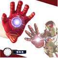 2016 Nueva iron Man Guante lanzadores de Spider-Man Figura de Acción de Juguete niños Adecuados Cosplay Spider Man Con música y LED luz