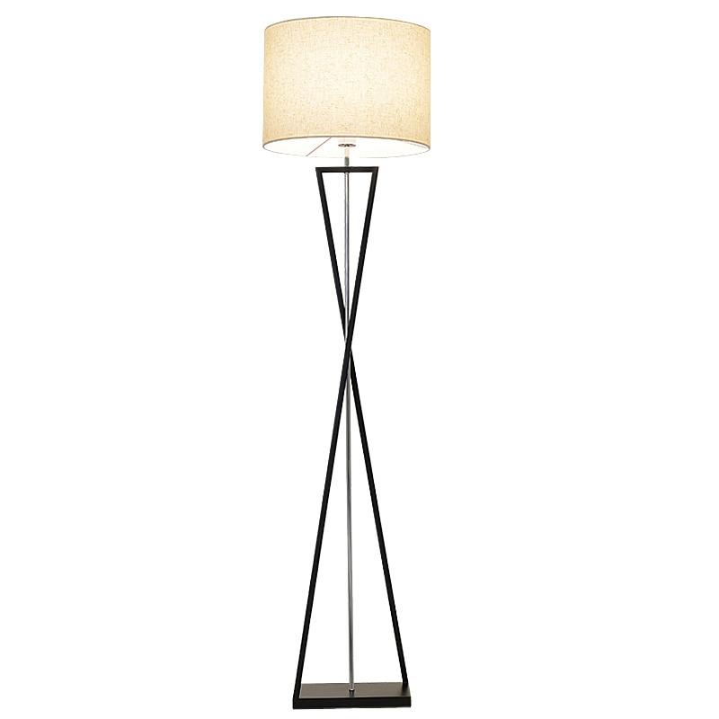Nowoczesny biały czarny LED lampy podłogowe nowoczesne atrakcyjne salon Fashional Floor Hotel oświetlenie nocne lampy podłogowe do sypialni w Lampy podłogowe od Lampy i oświetlenie na Ivanovwa Lighting Store