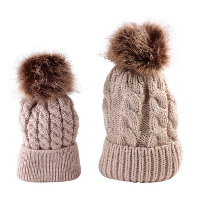 Вязаная детская шапка Обувь для мальчиков Обувь для девочек малышей вязания шапочки Hairball уха теплые шапки для детей и мамы осенне-зимний ст...