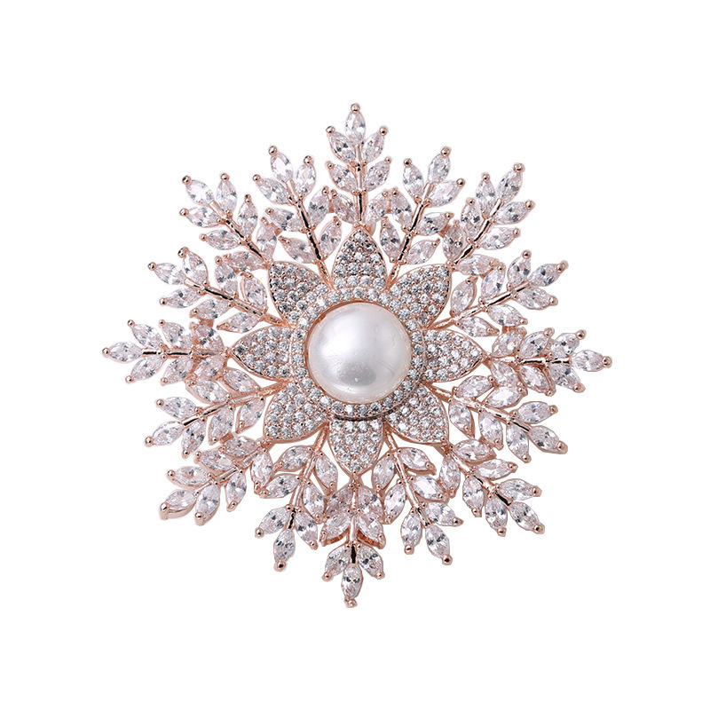 Luxury Snowflake Imitated Pearl Pave Crystal CZ Brooches Pins for Women Large Sweater's Pins and Brooches Christmas Gifts X017 luxury star crystal rhinestone lapel pins and brooches for women large mother of pearl suit broches bridal wedding jewelry x012