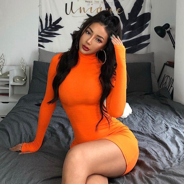 Dámske priliehavé sexy mini šaty Huxono