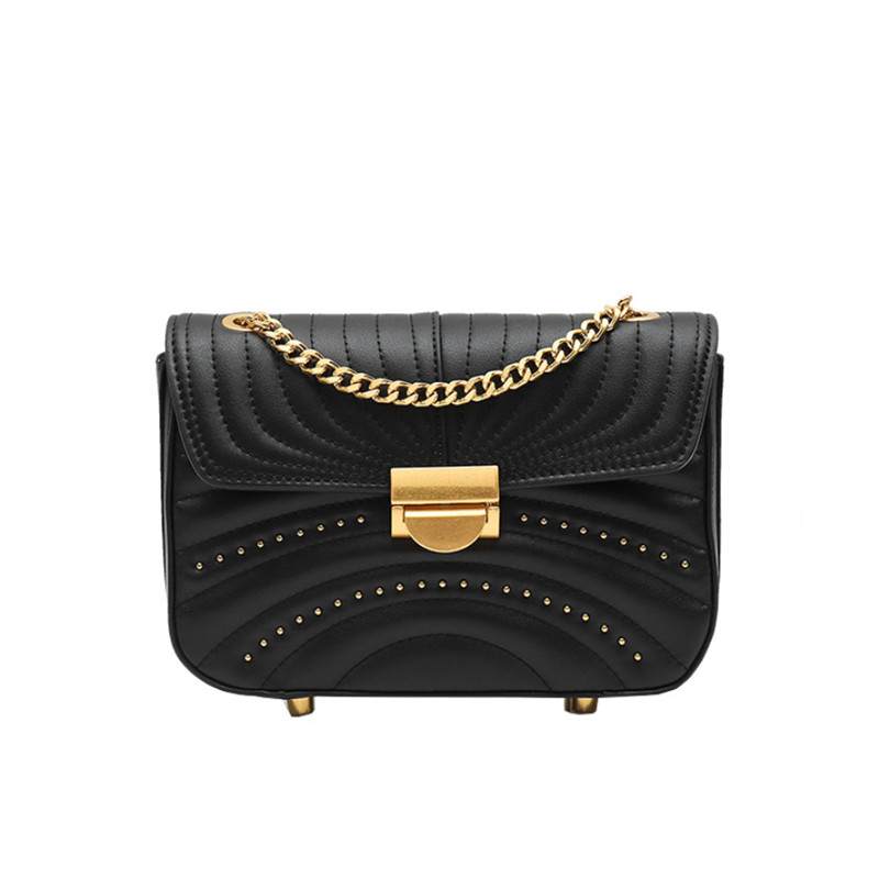 2019 genuine leather handbag for lady. Small xiangfeng single-shoulder crossbody chain small square bag with metal lock for lady2019 genuine leather handbag for lady. Small xiangfeng single-shoulder crossbody chain small square bag with metal lock for lady