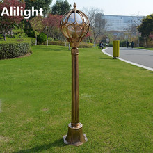 Traditional European Landscape Lighting Garden Lawn Waterproof Bronze Classic Outdoor Lighting Post LED Pole Vintage Street Lamp