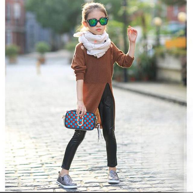 Meninas Outono High-slit Camisola 2016 Nova Moda Infantil Manga Longa buraco Confecção De Roupas Crianças Quentes Camisolas para 3 ~ 14 Y