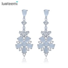 LUOTEEMI Luxury Women's Fashion Milky Flower Stud Earrings Sweet Romantic Style Jewelry For Christmas And Thanksgiving Brincos