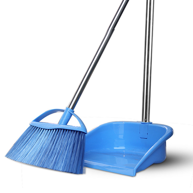 New Non Slip Handle Clean Sweep The Floor The Broom Suit
