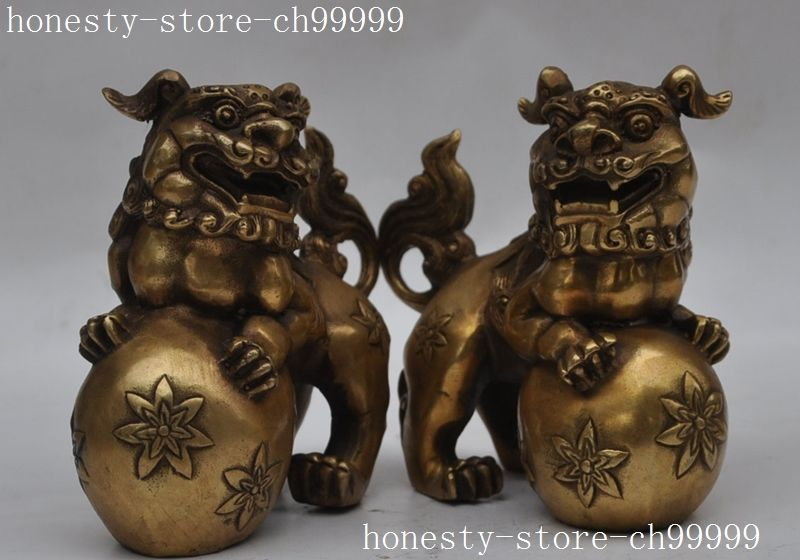Crafts statue Chinese classical Copper brass Evil Guardian Foo Dog Lion play Ball Pair statue halloween