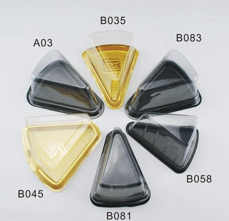 Qi 100PCS Disposable Plastic Clear Cheese Triangular Cake Box Plastic Uptake Cake Box for Pastry Bakery Dessert display Boxes