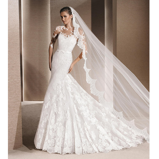 One Layer 3 Meter Long Elegant Eyelash Lace Edge Bridal Wedding Veil with Comb Attached