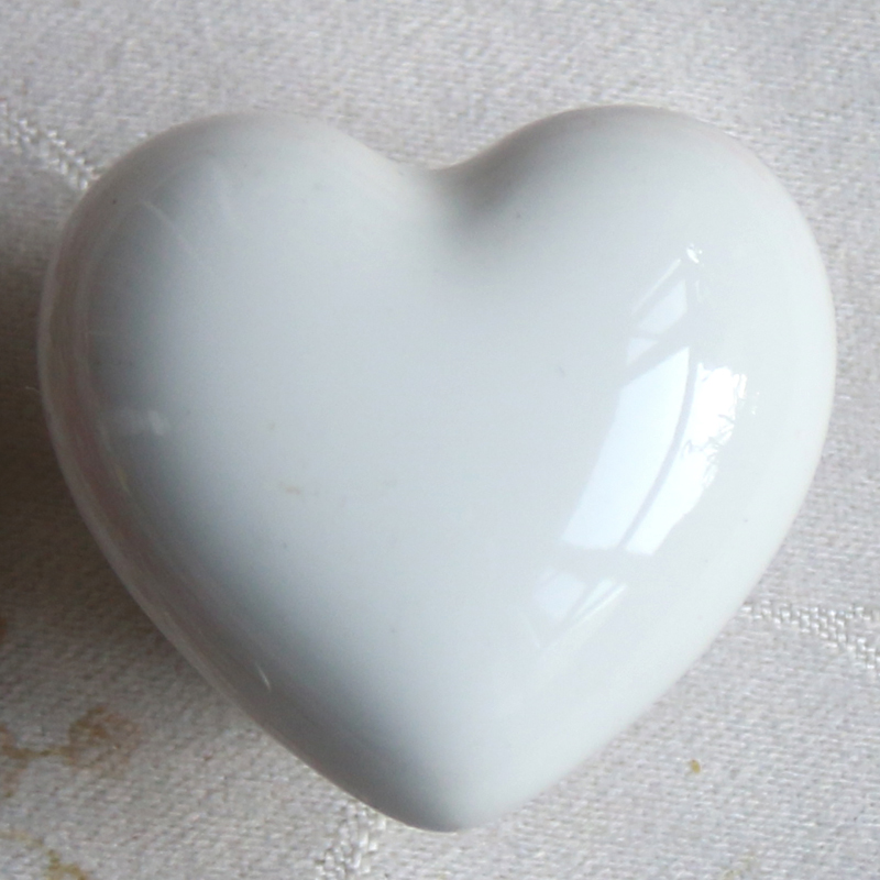 Lovely Heart-shaped Bedroom Drawers Dresser Knobs Kitchen Cupboard Wardrobe Cabinet Closet Handles white Furniture pull