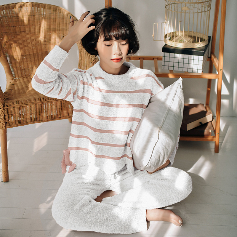 2019 Winter Pajamas Women Casual Stripes Pijama Mujer Warm Simple Generous Soft Home Clothes Long Sleeve Pyjamas Women Sleepwear