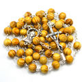 2016 color de la luz de la ronda de moda de madera rosario religioso cruz de metal y la pieza central