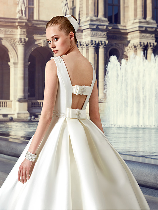 Ivory Korean Satin Ball Gown Wedding Dresses With Box Pleats 2016 Winter Hollow Back Floor Length Vestido De Novia Wg161025 In From Weddings