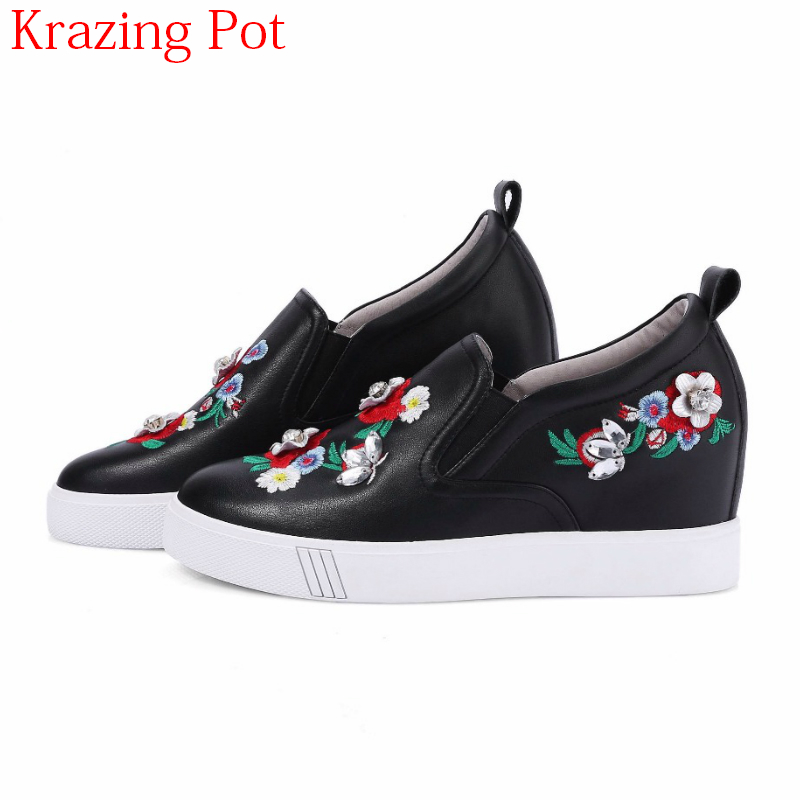 2018 New Arrival Full Grain Leather Sneaker Round Toe Causal Embroidery Metal Fasteners Flowers Women Vulcanized Shoes L31