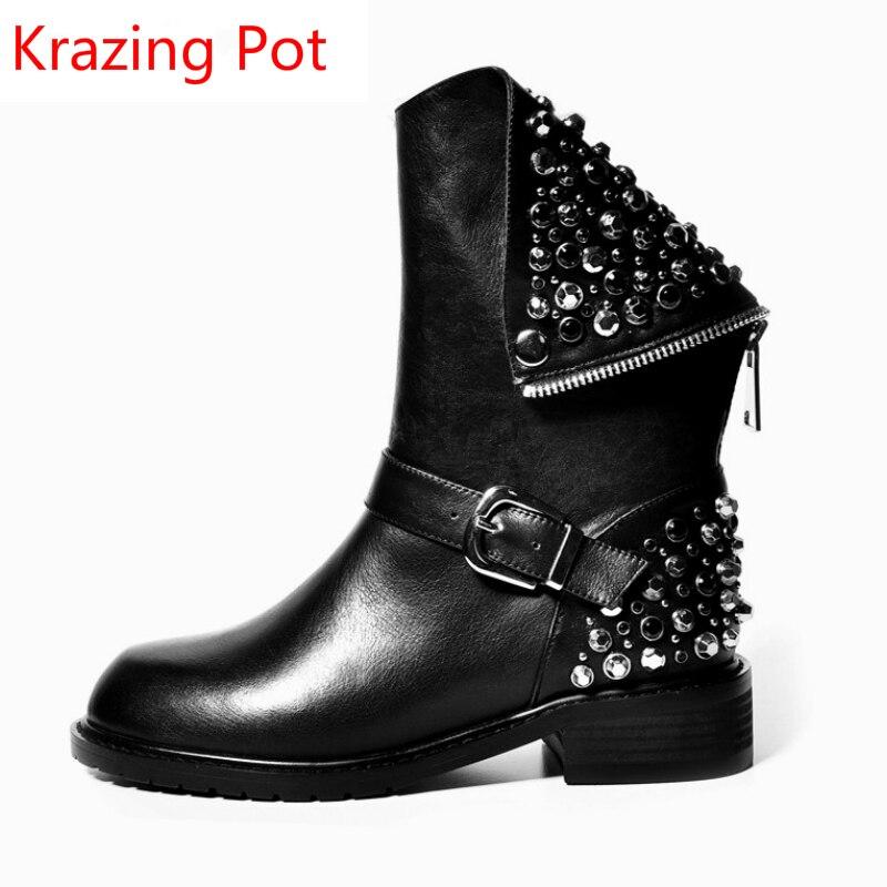 패션 정품 가죽 리벳 크리스탈 진주 구슬 라운드 발가락 따뜻한 겨울 부츠 두꺼운 뒤꿈치 유럽 럭셔리 가벼운 송아지 부츠 l00-에서미드 카프 부츠부터 신발 의  그룹 1